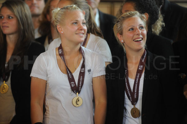 Leonie Maier und Svenja Huth, Empfang der Europameisterinnen in Frankfurt, © Karsten Lauer