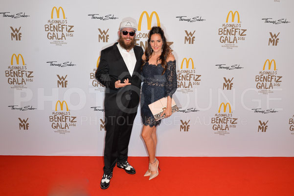 MC Fitti und Johanna Klum, Mc Donald's Benefiz Gala, 21.10.2016, Fotograf: Karsten Lauer / www.karsten-lauer.de
