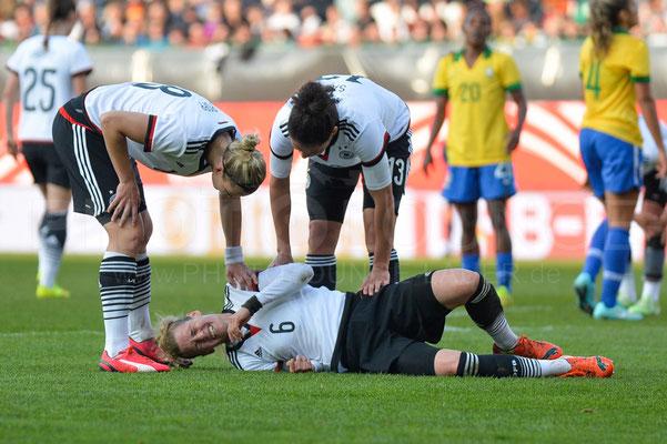 Simone Laudehr - Deutschland vs Brasilien 4:0 - Fotograf Karsten Lauer / www.photolounge-lauer.de