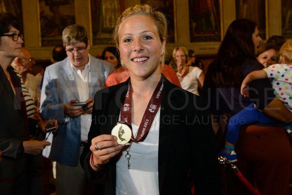 Svenja Huth, Empfang der Europameisterinnen in Frankfurt, © Karsten Lauer