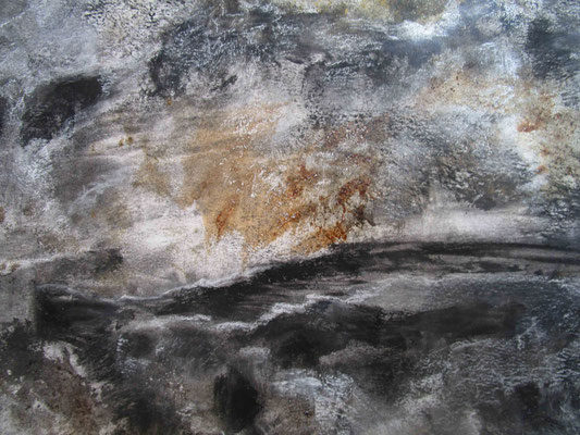 Gardens of Stone (particular), 2017, charcoal, bloodwood sap and sand on paper, cm 150 x 200