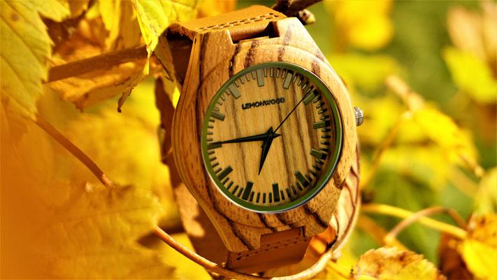 Armbanduhr aus Zebranoholz Western
