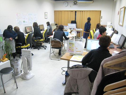 いつも満員で人気の堺のパソコン教室