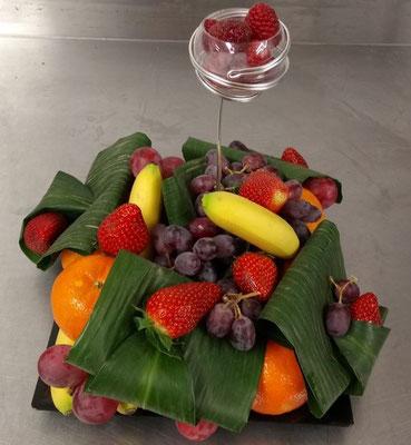 Corbeille de fruits à picorer pour 10 personnes