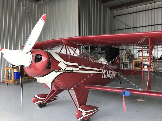 機体カリフォルニア州レッドランズ飛行場に駐機しておりました。