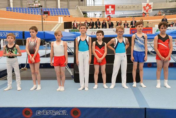 Présentation des finalistes en U11 garçons avec Théo et Lois.