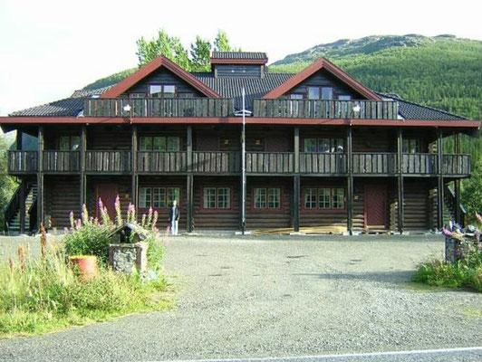 hoteles de madera modernos