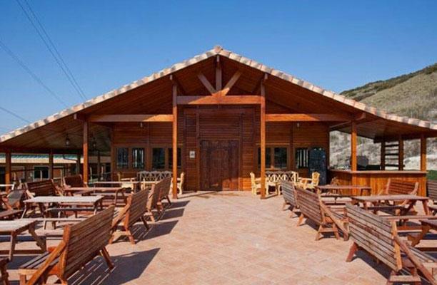 restaurantes de piedra y madera