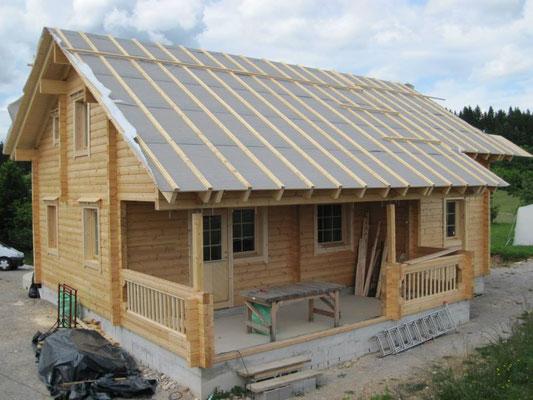 Construcción de casas de madera de diseño