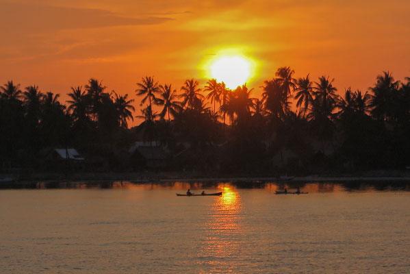 Sunset on Lambego South Sulawesi Tidak Apa'Pa Liveaboard CCR Diving