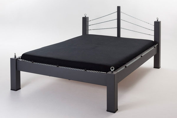 schind luder sm bett schind luder sm fetisch m bel. Black Bedroom Furniture Sets. Home Design Ideas