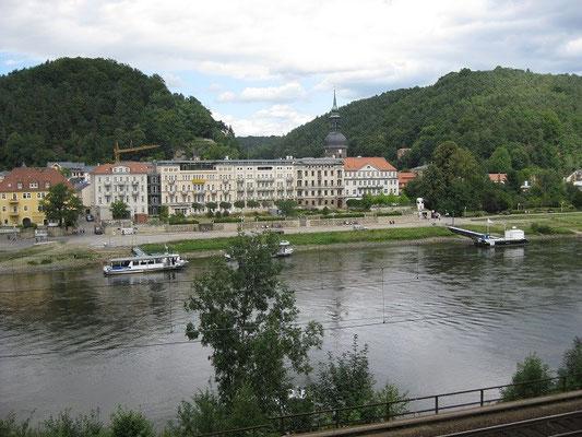 Bad Schandau auf der anderen Seite der Elbe