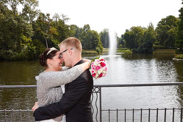Brautpaar in Wiesbaden Kurpark