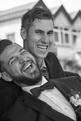 Lustige Hochzeitsgesellschaft