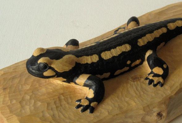 Salamandre (Salamandra salamandra) - Sculpture - bois de buis et encre noire - L : 24 cm