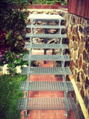 Escalera de religa galvanizada