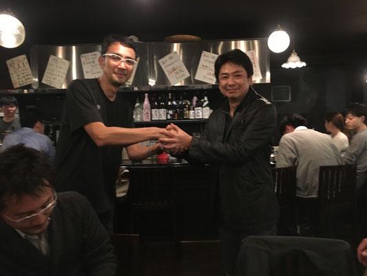 最後に屋富祖会長とペイント番長横田先生