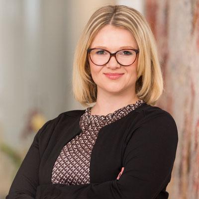 Frau Jenny Pfenning / Grundlagen zur Digitale Organisation & Richtige Organisation zum Digitalen Unternehmen