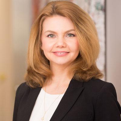 Frau Olesya Babkina / Grundlagen zur Digitale Organisation & Richtige Organisation zum Digitalen Unternehmen