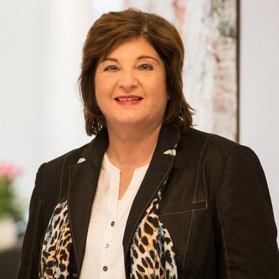 Frau Gertrud Wenger / Grundlagen zur Digitale Organisation & Richtige Organisation zum Digitalen Unternehmen
