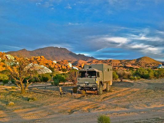 Expeditions-Fahrzeug-Mobil-mieten-oder-kaufen. Expeditionsmobil-Hersteller helfen weiter. Aus-Erfahrung-besser, mit-Toe-Experience zum Traum-Reisemobil für die Weltreise