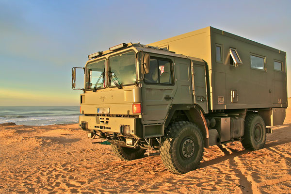 Allrad-Reisemobile-gebraucht, autark, mit bewährter Technik aufbereitet und zum echten Weltreisemobil veredelt mit der Expeditionsmobil-Erfahrung von Toe-Experience 4WD overland expedition vehicle extreme overland travel experience  luxury interior