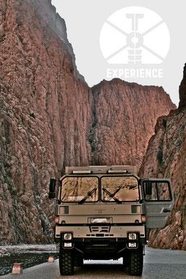 Durch Täler und Schluchten im echten Expeditionsmobil/Weltreisemobil - ob mit oder ohne Allrad - echtes Weltreisemobil unterwegs