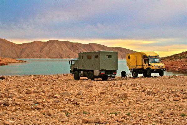 Reisemobil MAN 19.403 FALSX Offroad-Allrad-LKW-Basis-Fahrgestell mit Komfort, Wohnkabine mit KCT-Fenster, KCT-Dachluke und KCT-ISR-Rolos.
