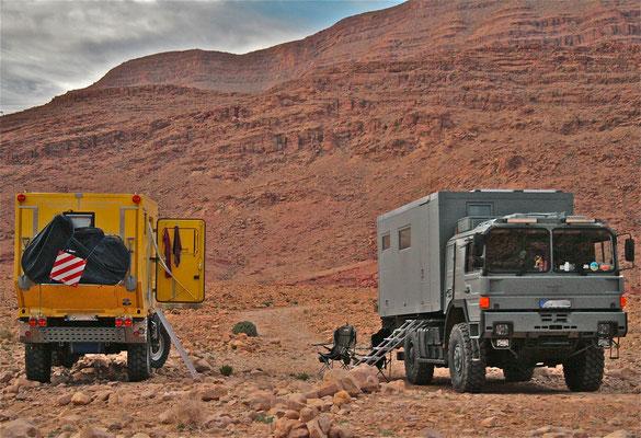 MAN-Expeditionsmobil-19.403 FALSX und-UNIMOG-Weltreisemobil mit Allrad-Antrieb und Zuverlässigkeit von Toe-Experience Aus Erfahrung besser. KCT-Fenster mit ISR-Rolo