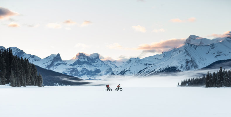fat biking over Malgine Lake © Matthew Clark @stirlandraephoto