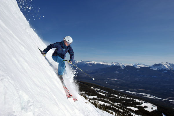 skiing in Marmot Basin, Jasper National Park © Tourism Jasper