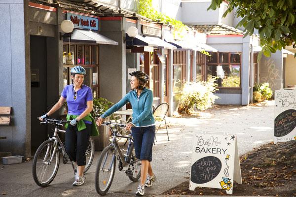 Cook Street Village © Tourism Victoria