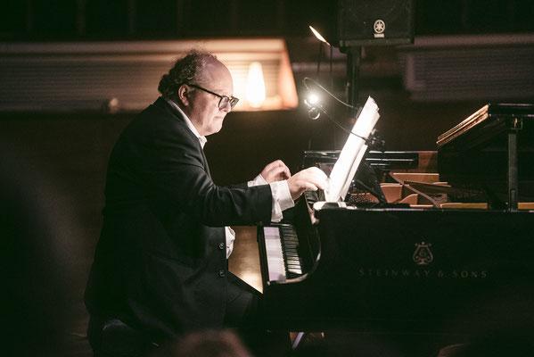 Stewart Smith (Piano)