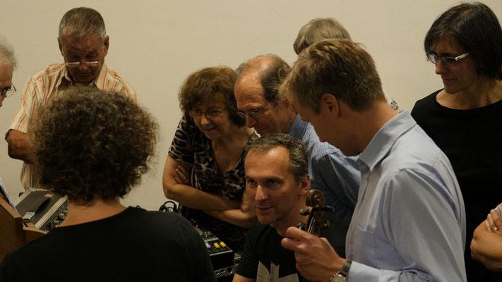 Das Orchester und Peter Pichler; alle Fotos von Hartmut Grawe