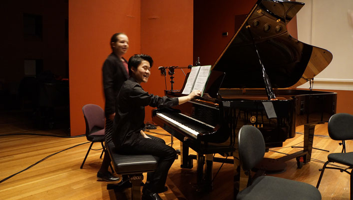 Thong Truong at the piano accompanying Peter Pichler at the Trautonium