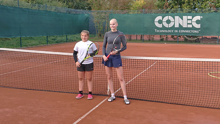 Saskia Trombern und Lana Schleicher (rechts)