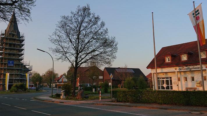 Mantinghausen, Ortskern an der St. Antonius-Kirche