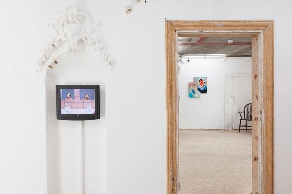 01 Maske, Ausstellungsansicht: im Bild Arbeiten von Stoll & Wachall und| Sebastian Bieniek