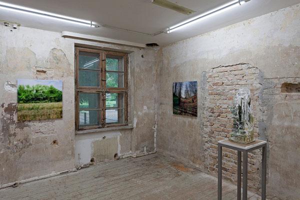 "Hadas Tapouchi, ""Stalag XVII"", Krems, Österreich und ""Cytadela park"", Poznan, Polen | Jehoshua Rozenman, ""The Shell"""