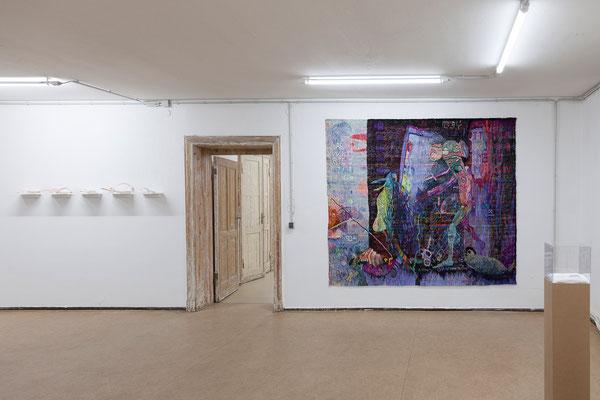 "Jutta Eberhard, ""Shut up w(b)itch"" Objekte 15, 16, 17, 18, 19, 2018 | Kata Unger, ""German Angst"", 2018"
