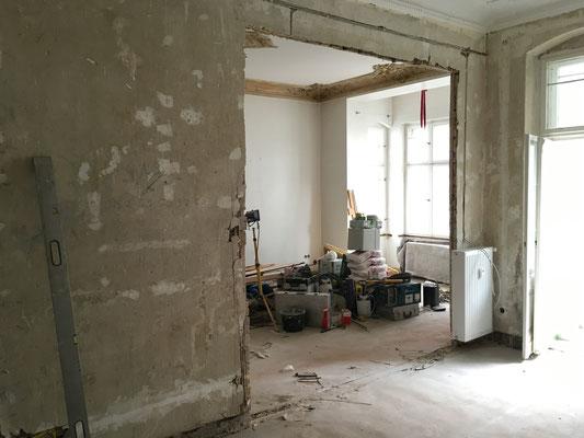 Wanddurchbruch im Wohnzimmer