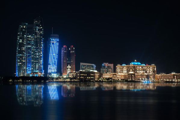 Abu Dhabi bei Nacht6