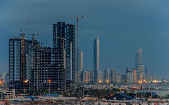 Abu Dhabi bei Nacht3