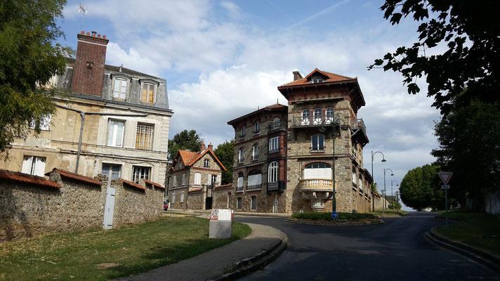 Chemin du vieux pavé et maison Pelissier aujourd'hui