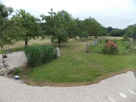 Jardin du gîte de campagne près de Commercy en Meuse