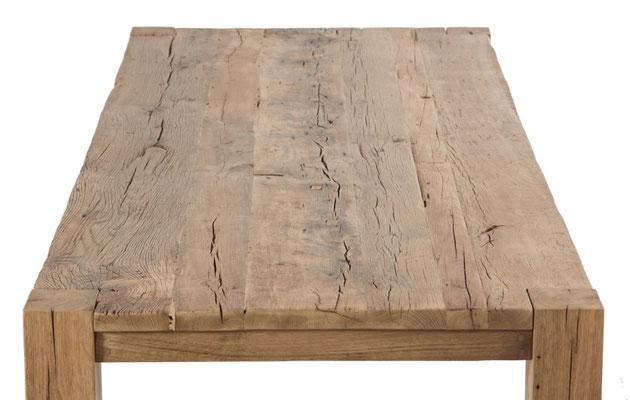 Detailbild rustikale Tischplatte Altholz Eiche