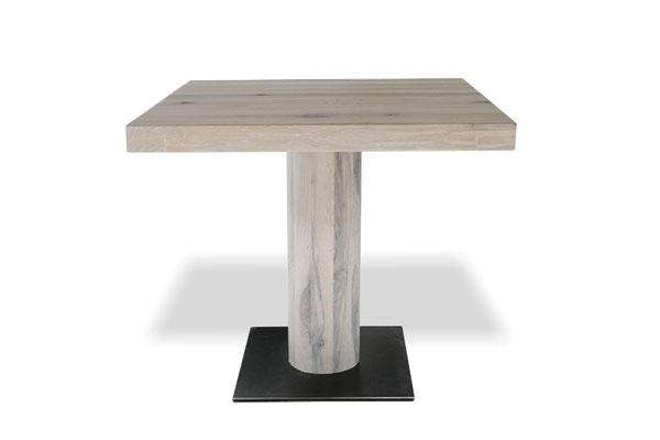 Detailbild Restauranttisch Eiche Stahl mit Mittefuß Holz