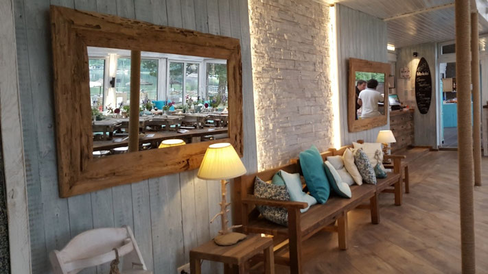 Großer Wandspiegel aus Altholz und Treibholz