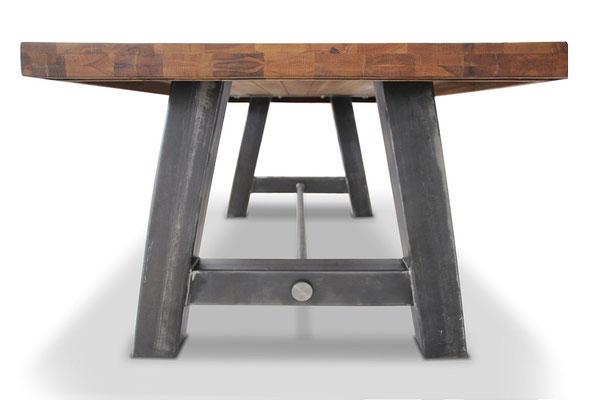 Ansicht Tischgestell A-Form mit Querstrebe