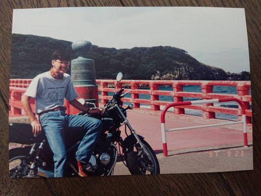 福井県東尋坊にて KAWASAKI にてゼファー400と